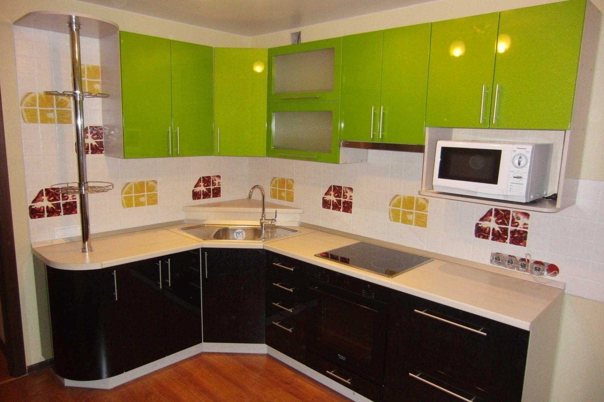 Салатаво-черная угловая кухня