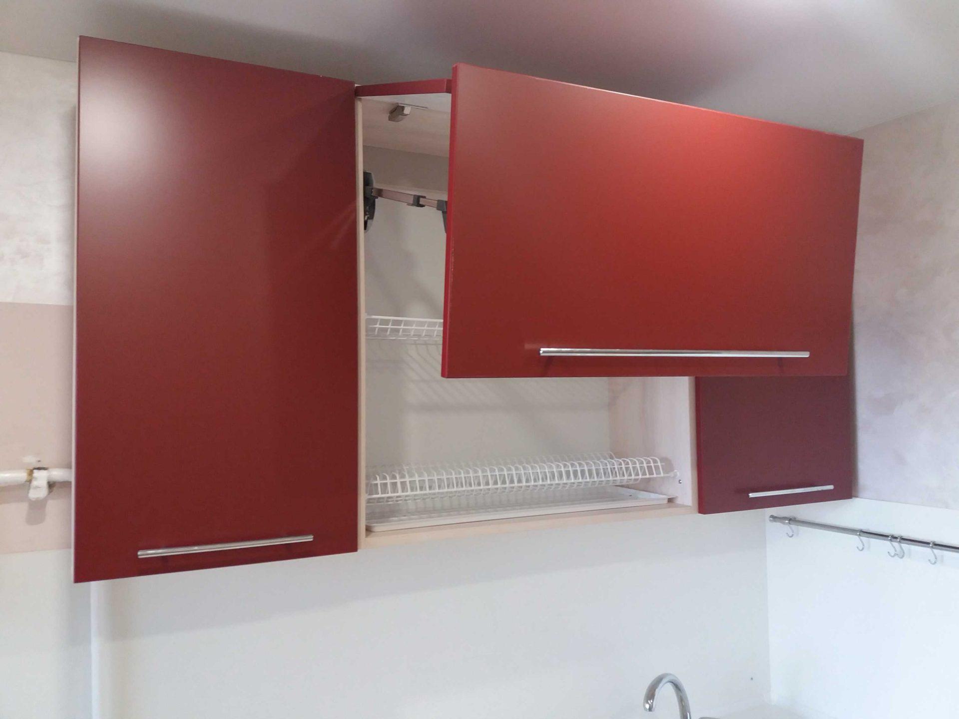 Шкафчик для кухни с АVENTOS - складной подъемник